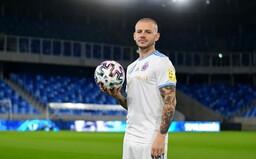 Slovan víta Weissa ako megahviezdu. Klub pripravil video v novom drese, v ktorom ukazuje parádičky s loptou