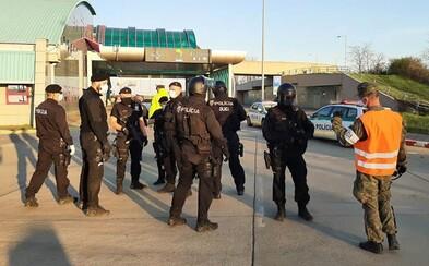 Slovenka odišla zo štátnej karantény, teraz ju zadržali policajti. Hrozia jej dva roky väzenia