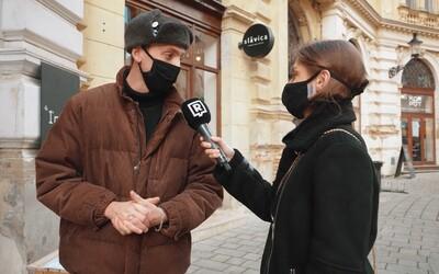 Slovenka si kúpila kabát za 2-tisíc eur. Mladých Bratislavčanov sme sa pýtali, aké majú zimné bundy a kde nakupujú