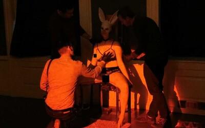 Slovenky pózovali na Výstave nahých žien, niektorí muži to s dotykmi preháňali (To najlepšie z Refresheru)