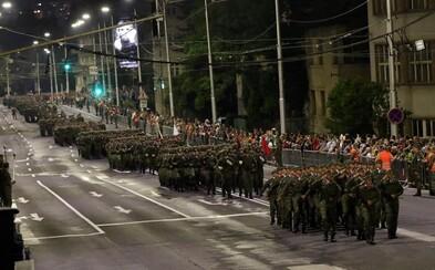 Slovenská armáda nacvičovala vojenskú prehliadku na 75. výročie SNP. Sleduj, akú techniku si vojaci pripravili