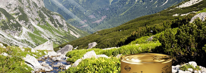Slovenská firma začala predávať vzduch z Vysokých Tatier v plechovke. Vtipný suvenír obsahuje zvuk pasúcich sa ovečiek aj energiu kvapiek rosy
