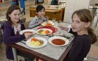 Slovenská mamička dostala cenník na obedy zadarmo, platiť bude ešte o 9 € mesačne viac ako doteraz