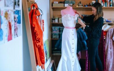 Slovenská móda je odvážna, kúsky popredných dizajnérov kvalitné, no zákazníci nie sú až tak odvážni, hovorí návrhárka (Rozhovor)