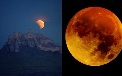 Slovenská obloha včera vďaka zatmeniu Mesiaca vyzerala magicky. Čo zachytili najkrajšie momentky?