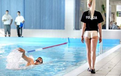 Slovenská polícia, hasiči aj politická strana budú bojovať o titul najsexistickejšej reklamy za uplynulý rok