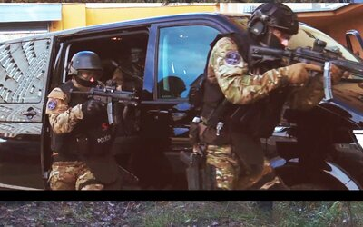 Slovenská polícia natočila trailer ako z akčného filmu, aby ťa motivovala stať sa mužom zákona