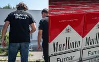 Slovenská polícia zaistila 1,5 milióna cigariet a 6 ton tabaku. Po pol roku sledovania odhalili najväčšiu ilegálnu výrobňu u nás