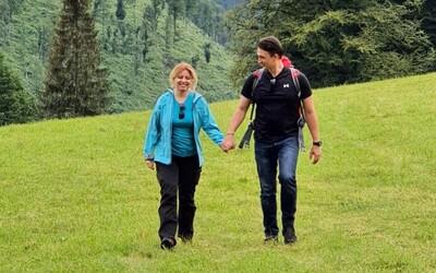 Slovenská prezidentka Zuzana Čaputová ukazuje přítele na fotkách z divadla či Vysokých Tater