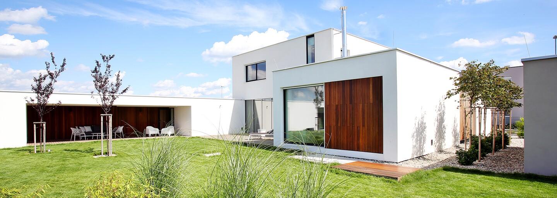 Slovenská výpomoc tesne za hranicami Rakúska v podobe moderného domu s množstvom vychytávok