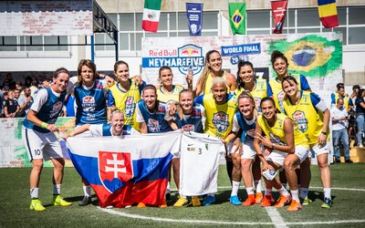 Slovenské futbalistky vyhrali Neymarov turnaj. Zahrali si aj proti samotnej brazílskej hviezde