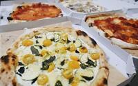 Slovenské národné jedlo je podľa nich pizza. Ochutnali sme hruškovú a mätovú z prvého kváskového pizza stánku v Bratislave