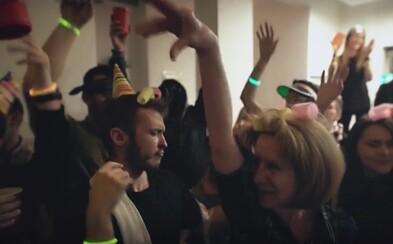 Slovenské video ti ukáže, ako to dopadne, keď robíš párty u seba doma. Nemôžu chýbať naštvané susedky a nemilé prekvapenia