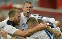 Slovenskí futbalisti predviedli oku lahodiaci futbal a poľahky zdolávajú súpera z Litvy