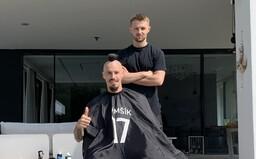 Slovenskí futbalisti sú v tringeltoch veľmi štedrí, tvrdí Jendo, dvorný barber našej reprezentácie (Rozhovor)