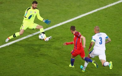 Slovenskí futbalisti ubránili anglické hviezdy a priblížili sa k osemfinále európskeho šampionátu!