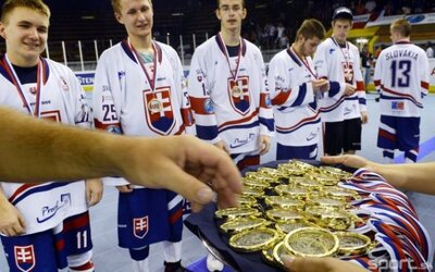 Slovenskí hokejbalisti sa stali majstrami sveta v kategórii do 16, 18 a aj 20 rokov!
