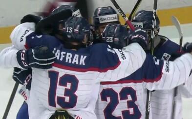 Slovenskí hokejisti do 18 rokov rozobrali Lotyšsko a zahrajú si štvrťfinále majstrovstiev sveta