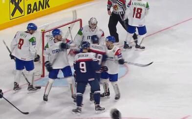 Slovenskí hokejisti predviedli veľmi zlý výkon a outsidera z Talianska porážajú až po predĺžení