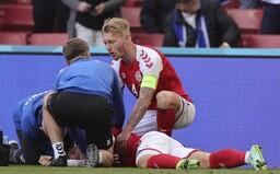 Slovenskí konšpirátori začali šíriť hoax o tom, že dánsky futbalista skolaboval po vakcíne. Nie je to pravda, varuje polícia