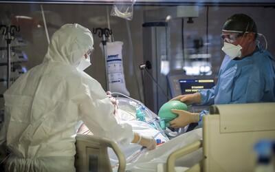 Slovenskí lekári dostanú manuál, koho odpojiť alebo pripojiť na pľúcnu ventiláciu. Podmienky má poznať verejnosť