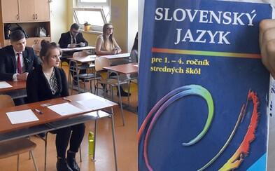 Slovenskí maturanti svoj materinský jazyk veľmi dobre neovládajú. Výsledky ukázali medziročný prepad, ale zachraňovala ich matematika