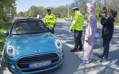 Slovenskí policajti budú vodičov testovať aj na drogy