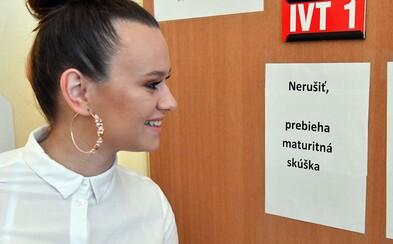 Slovenskí študenti práve bojujú s témami maturitných slohov. Ktorú by si zvolil ty?