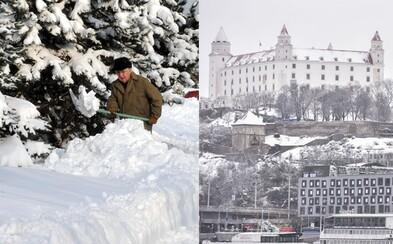 Slovensko by malo už o pár dní konečne zasnežiť. Snehová nádielka zastihne východ aj západ