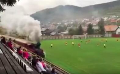 Slovensko je vo svete futbalu opäť centrom pozornosti, tentokrát vďaka vlaku jazdiacemu cez futbalový štadión