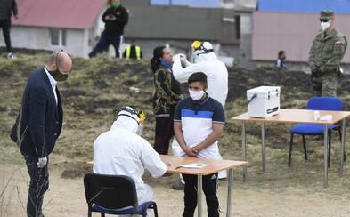 Slovensko má ďalšiu obeť koronavírusu z domova dôchodcov, hlavný hygienik ruší karanténu v prvej z rómskych osád