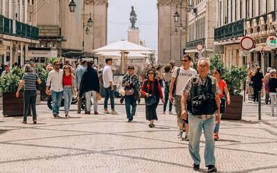 Slovensko, Portugalsko a Švýcarsko rozvolňují, Indie hlásí rekordní přírůstky. Takto bojují s pandemií koronaviru jiné země