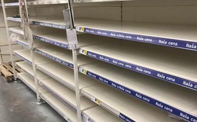 Slovensko šalie z koronavírusu. Ľudia z celého Slovenska nám posielajú fotografie prázdnych regálov v obchodoch