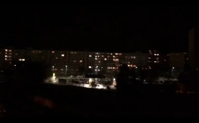 Slovensko tlieskalo zdravotníkom, policajtom, hasičom, predavačom a ďalším: ĎAKUJEME!