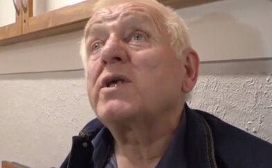Slovenský dôchodca na zábave strieľal z revolveru. Keď ho chceli zastaviť, bránil sa paralyzérom