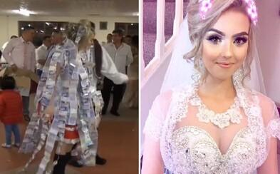 Slovenský pár zažil poriadne honosnú svadbu. Nevestine šaty stáli 1600 eur a nechýbalo ani ohadzovanie bankovkami