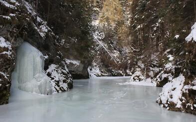 Slovenský raj sa zmenil na rozprávku. Z rieky Hornád je teraz jedinečné čarovné klzisko dlhé 12 kilometrov