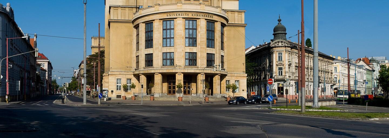 Slovenským vysokým školám chýba 10-tisíc študentov, ktorí by mali v septembri nastúpiť do prvých ročníkov
