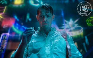 Sľubný cyberpunkový seriál Altered Carbon prichádza s ďalšou lákavou ukážkou a odhaľuje útržky príbehu z technologicky vyspelej budúcnosti
