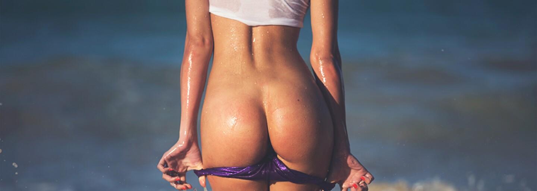 Slunná Dominikánská republika přivítala hravou Elisu, která se nebojácně svlékla do naha