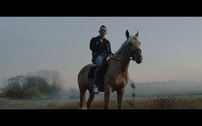 Smack posouvá level prvním videoklipem z připravovaného alba SICK