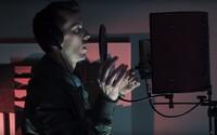 Smack spituje ve svém hoodu a ohlašuje nový Iscream projekt
