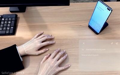 Smartfón od Samsungu má neviditeľnú klávesnicu. Premieta ju na stôl rovno pred teba