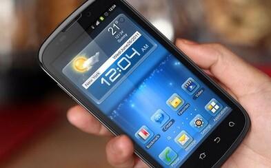 Smartphone bychom si vzali s sebou i na pustý ostrov. Jak jsou na tom Češi s používáním chytrých telefonů?