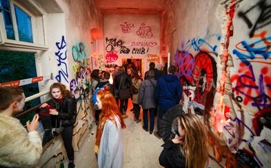 Ôsme pokračovanie akcie Spots vytvorilo v opustenej nemocnici Zochova jedinečnú atmosféru (Fotoreport)