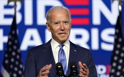 Směřujeme k vítězství, komentuje Biden svůj čím dál větší náskok. Donald Trump opakovaně tvrdí, že nemá v plánu uznat porážku