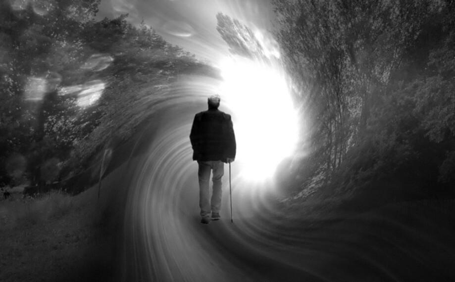 Smrť je najnepreskúmanejším momentom života. Čo sa deje pri úmrtí, kam  mizne vedomie a dá sa nevyhnutnému koncu vyhnúť? | REFRESHER.sk