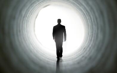 Smrt v roli maskovaného strašáka společnosti. Měli bychom se umírání bát?