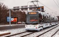 Sněhová pokrývka probudila Česko. Řidiče překvapila, ČHMÚ vydal výstrahu i na další dny