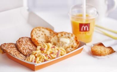 Snídaně z McDonald's se konečně začne rozvážet. Zatím v Praze, Brně a Ostravě